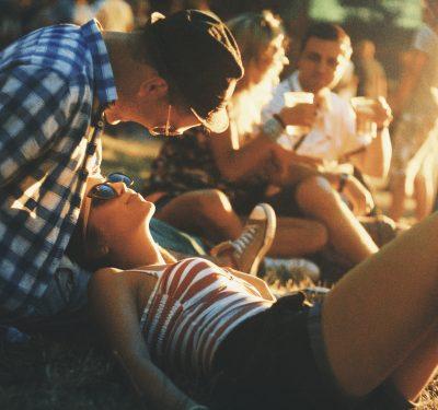 «Στη ζωή κάθε κοριτσιού υπάρχει ένα αγόρι που δεν θα ξεχαστεί ποτέ, κι ένα καλοκαίρι όπου ξεκίνησαν όλα».